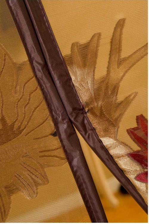 Detail : Motif Bordir Setiap sisi dari tirai dijahit dan bukan direkatkan. Menggunakan bahan polyester cotton berkualitas tinggi sehingga tidak gampang rusak atau berserabut