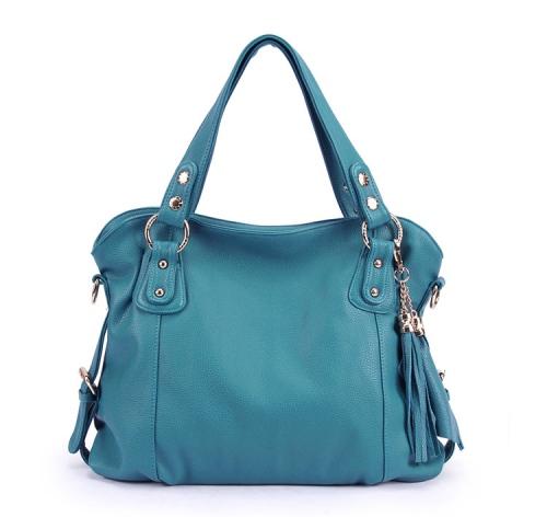 Rp 265.000 Kode: TS007 Size: 34x30x10cm Bahan High Quality PU Warna: Biru Tali Panjang: Ada