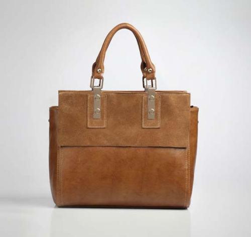 Kode: TS1380 Brown     Size: 31x26x13cm     Warna: Coklat     Bahan: Kulit Sapi (Genuine Leather) + High Quality PU     Harga: Rp 425.000